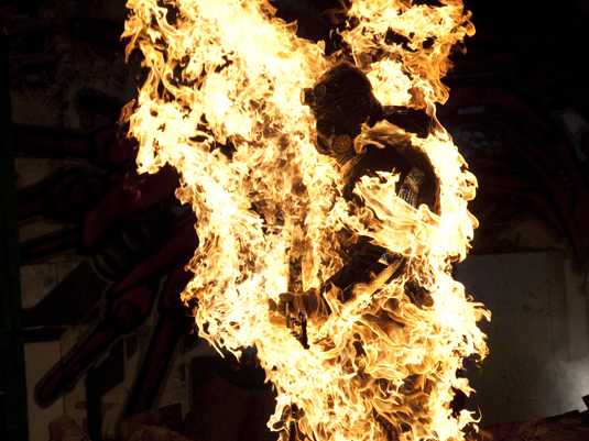 Body Burn stunt fire man on fire fighting for film joe toedtling guinness world record markus weilguny