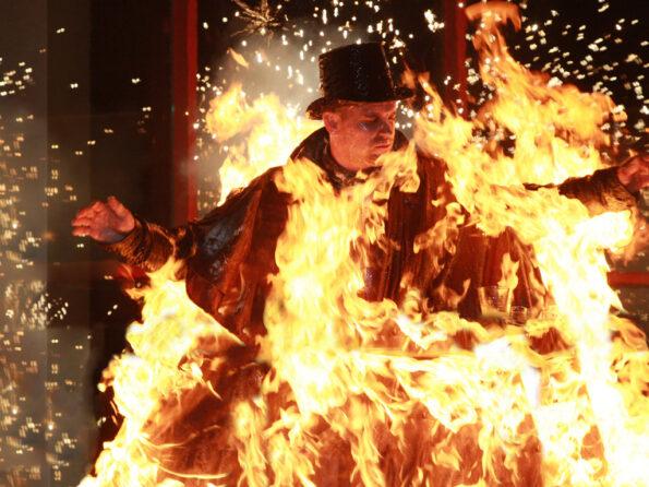 Body Burn stunt fire man on fire fighting for film joe toedtling guinness world record markus weilguny