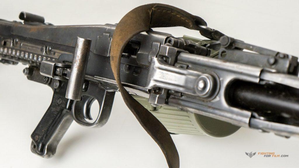 MG42 Filmwaffenmeister Film Bühne Theater Pistole Gewehr Schusswaffen Theaterwaffen Platzpatronen in Recht und Theorie und viel Praxis