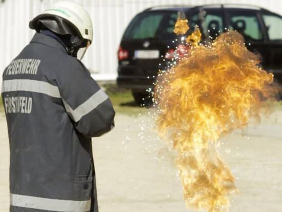 SFX Special Effects Spezialeffekt Seminar Workshop Ausbildung Fortbildung Zertifikat Feuerwehr Pyrotechnik Feuerwerk Film Rauch Knall Feuer Explosion