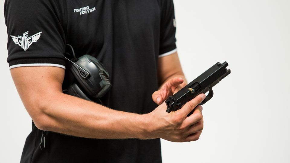 Schießtraining Wien Pistole schießen sicher auch bei Ladehemmung Gehörschutz FFF