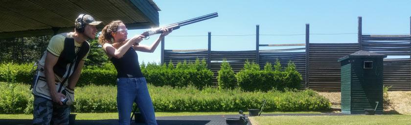 Schießtraining Wien Tontauben Gewehr Schrot Flinte Schießtrainer Instruktor Einzeltraining Damen Frauen