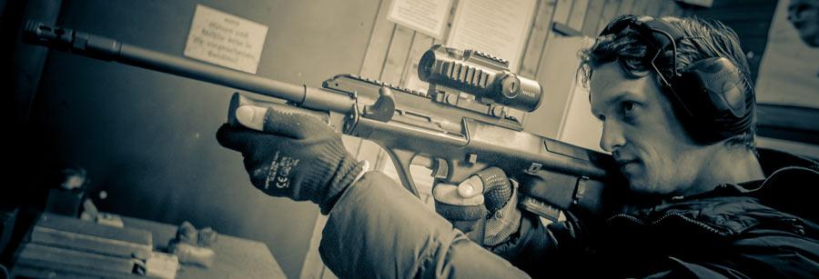 WBK Waffenbesitzkarte Waffenschein Jagd Büchse Gewehr Scharfschützengewehr Schießen lernen Wien Instruktor Schießtrainer AUG Steyr A1 A3 Z3 Z1 Kahles Schießstand Olivier Dejean